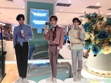 【NCT】ルーカス・ウィンウィン・クンが広告を務めるアイス屋の様子