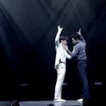 WayV テンとウィンウィンがステージで魅せた『lovely』