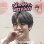 ジェヒョンが人気歌謡メンバーにお誕生日を祝ってもらう♡